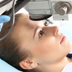 Retina Eye Surgery In Pitampura